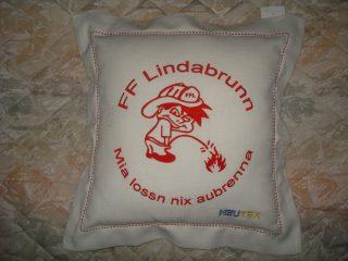 Bestickung #kissen für FF Lindabrunn. #sticken #veredelungen
